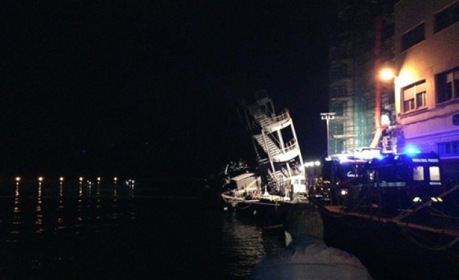 Six killed, 3 missing after ship crashes in Italia- UPDATED