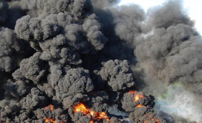 Explosion in smuggled oil depot kills 10 in southern Turkey