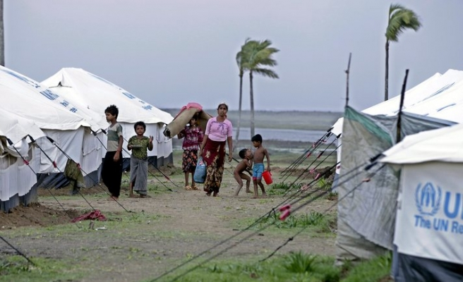 Myanmar clashes signal growing Rohingya desperation
