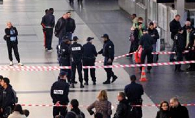 French prosecutor says stabbing 'religiously motivated'