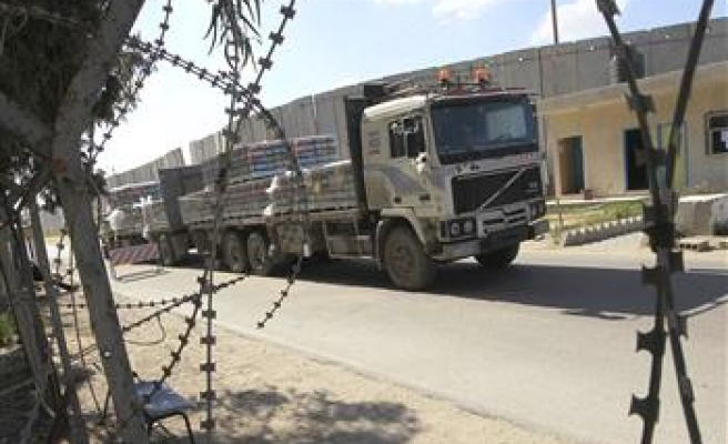 Israel reopens Gaza's only trade crossing after holidays