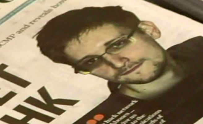 Kremlin denies Snowden is breaking terms of asylum