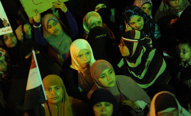 Women advance of protests in Egypt