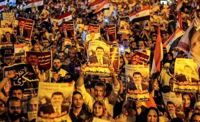 Army gives 48-hour deadline for opponents of Morsi overthrow