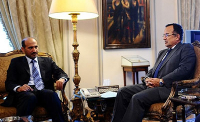Egypt's Fahmi reaffirms support to Syrian revolution