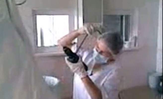 Moldovan doctors use household tools for surgery-VIDEO