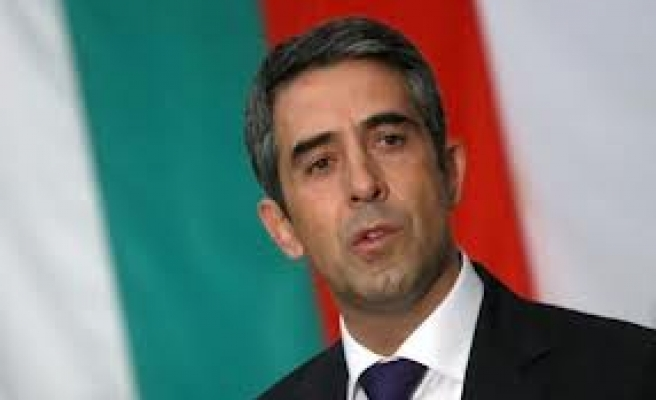 Bulgaria vetoes government plans to spend more