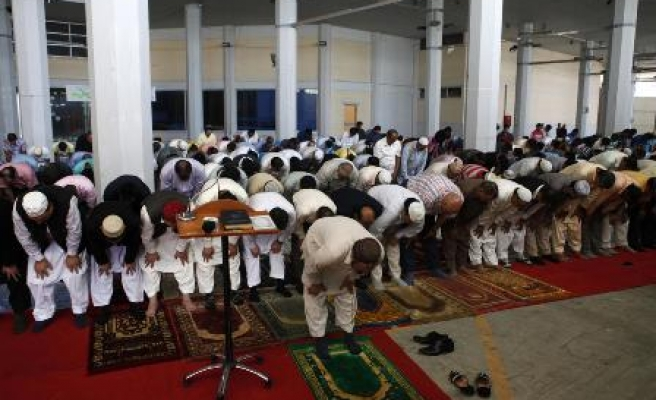 Muslims in Greece perform Eid prayer without mosque