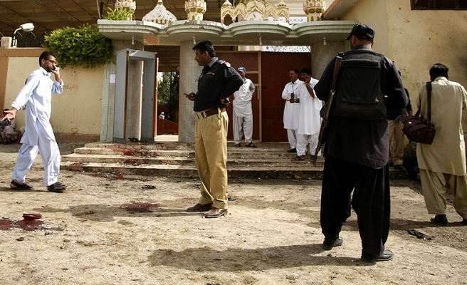 Death toll rises to 5 in Pakistan court shooting