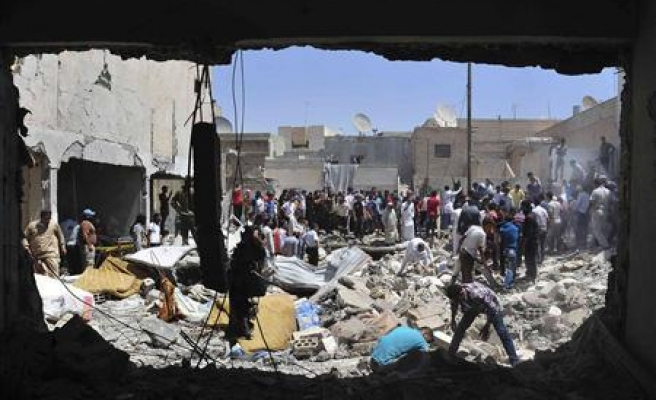 Syrian air forces target settlement area: 30 dead