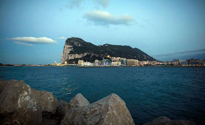 British Gibraltar warns Spanish ships