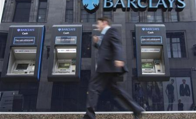 EU banks cut 8 percent of branches in four years