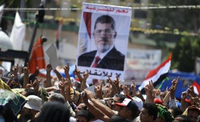 Morsi supporters march from Ramses to Rabaa