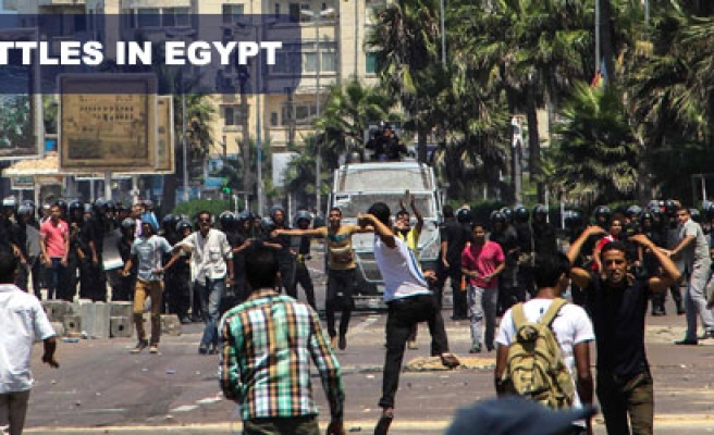 Street battles in Egypt