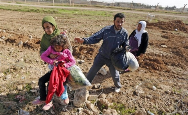 Egypt says needs help, not criticism over Syrian refugees