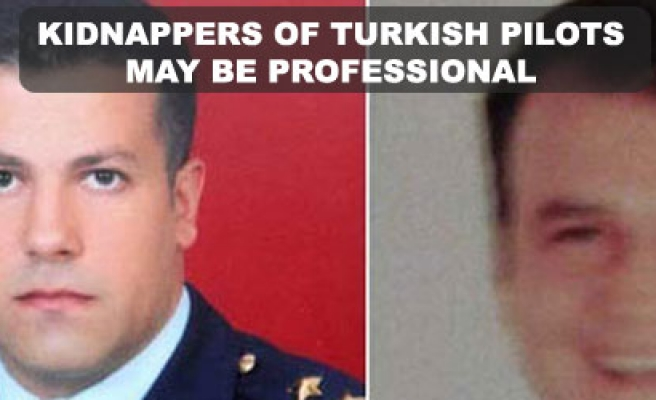 Kidnappers of Turkish pilots may be professional
