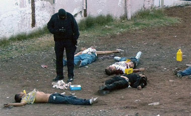 Fueling drug gangs' impunity, unidentified corpses pile up in Mexico