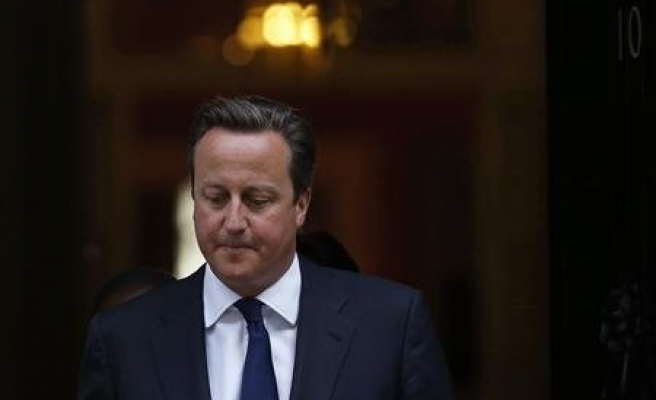 UK prime minister vows to stop 'benefits tourism'