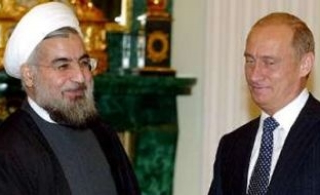 Putin tells Iran's Rouhani he sees a chance to end nuclear row