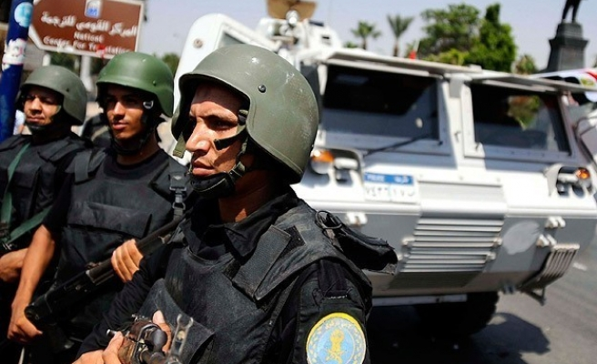 Egypt warns Muslim Brotherhood against violence