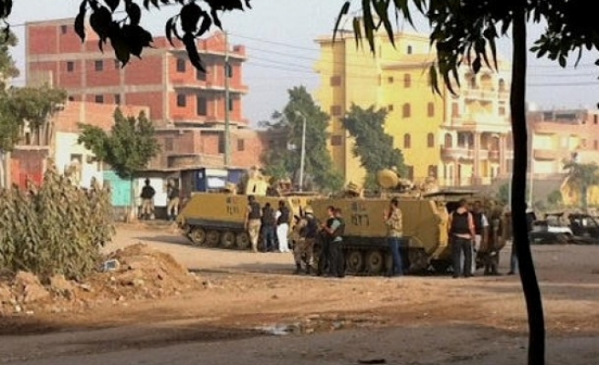 Three soldiers injured in attack on checkpoint in Egypt