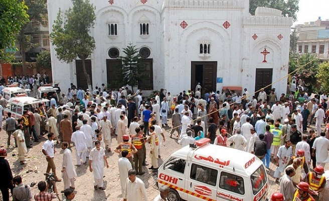 Pakistan Christians protest church attack