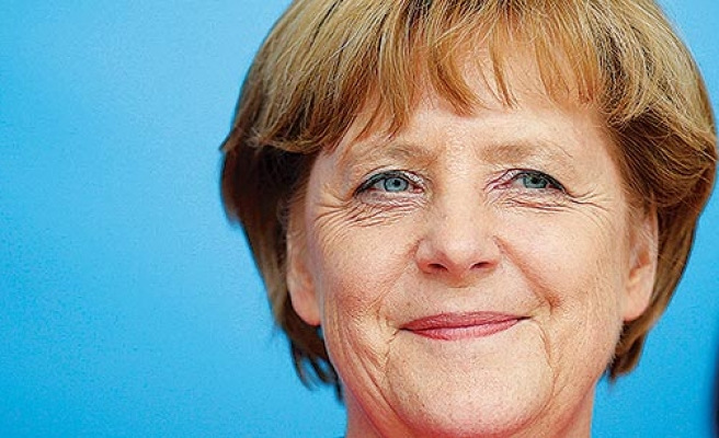 Merkel and SPD signal steps towards compromise