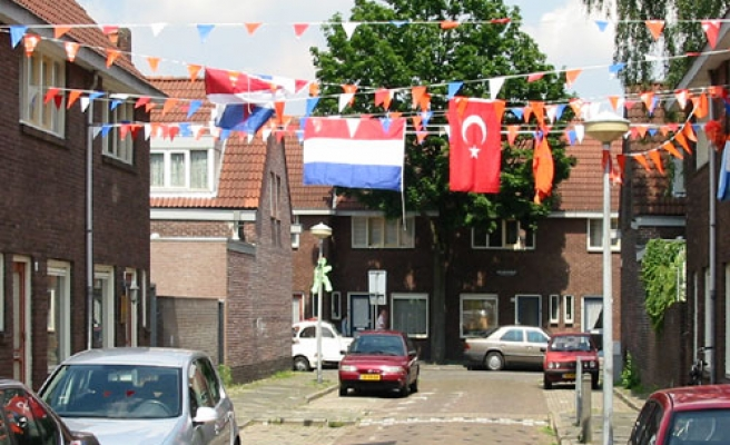 Turkey-Netherlands tension draws global reactions