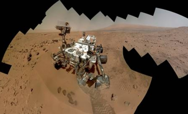 Curiosity rover reveals surprising amount of water on Mars soil