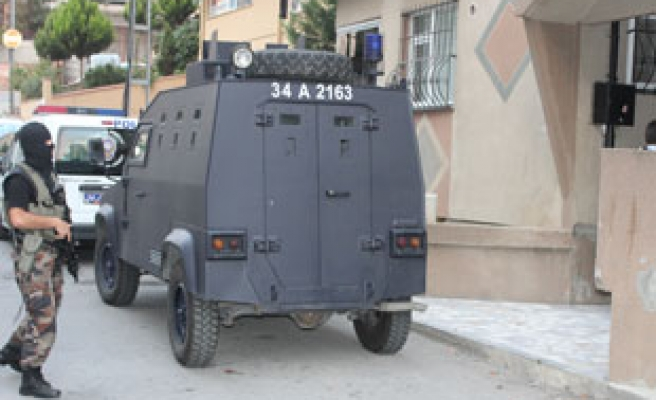 Extensive police operation in Istanbul