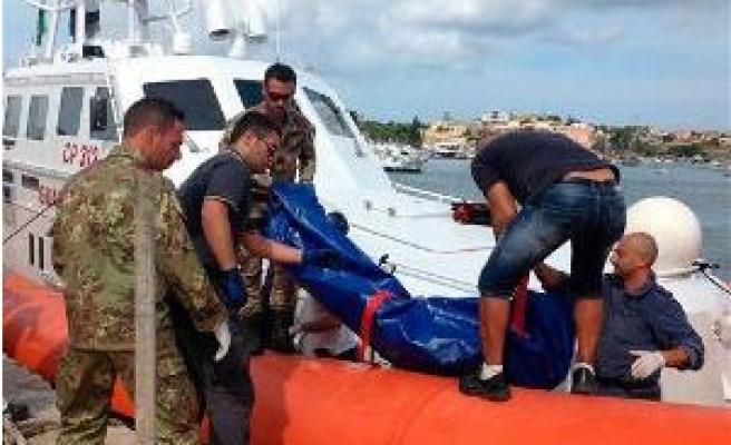 Divers recover more migrant bodies from Sicily wreck