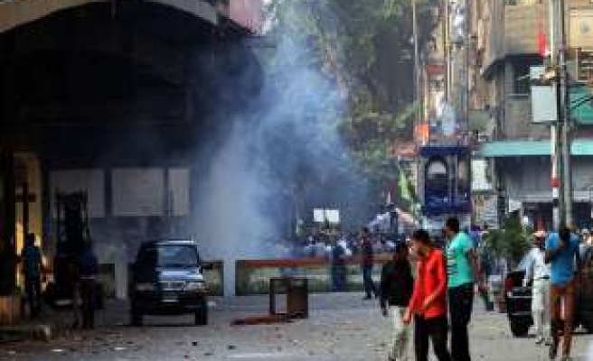 Troops fire tear gas at pro-democracy protesters
