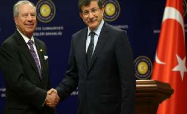 Turkish FM meets his Costa Rican counterpart