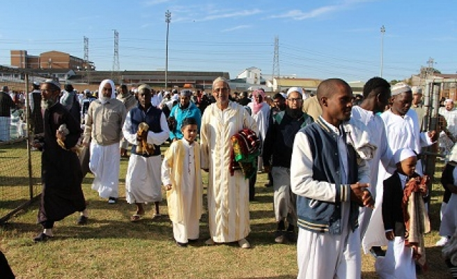 S. Africa Muslims celebrate prophet's birthday in style