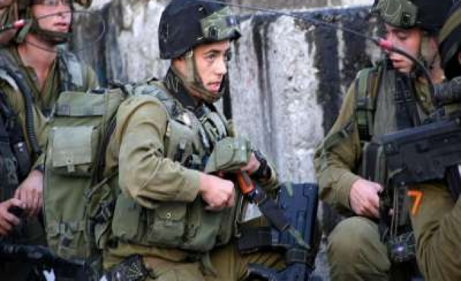 Israeli security forces kill one Palestinian
