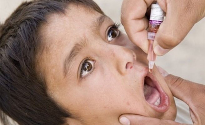 Lebanon to vaccinate children after suspected polio cases in Syria
