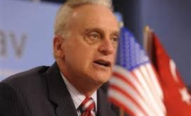 US ambassador Ricciardone defends Turkey MIT chief