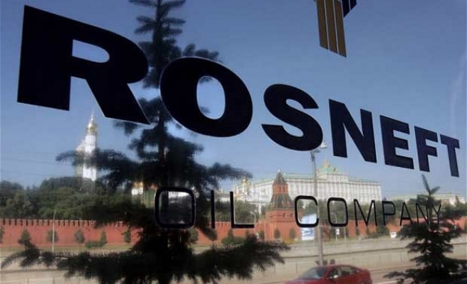 Sanctions against Rosneft's Sechin threaten oil loans