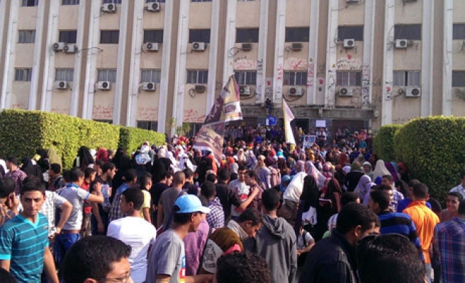 Azhar students step up campus protests