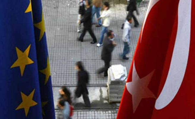 EU to seek more Turkish help in ISIL fight