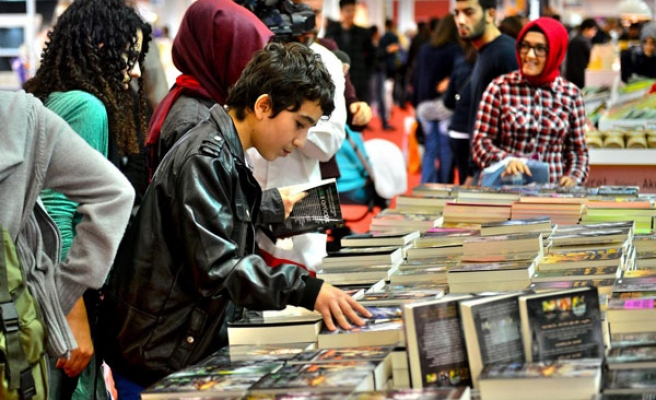100,000 people visit 32nd TUYAP book fair in first two days