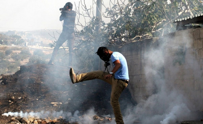Clashes erupt in Hebron after funeral