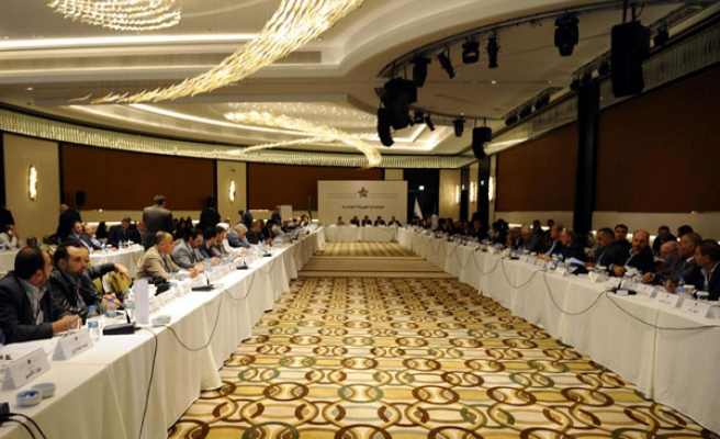 Syrian opposition agrees to participate in Geneva
