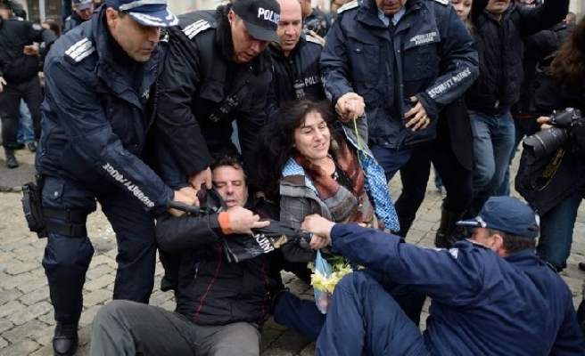 Protesters clash with riot police in Bulgaria