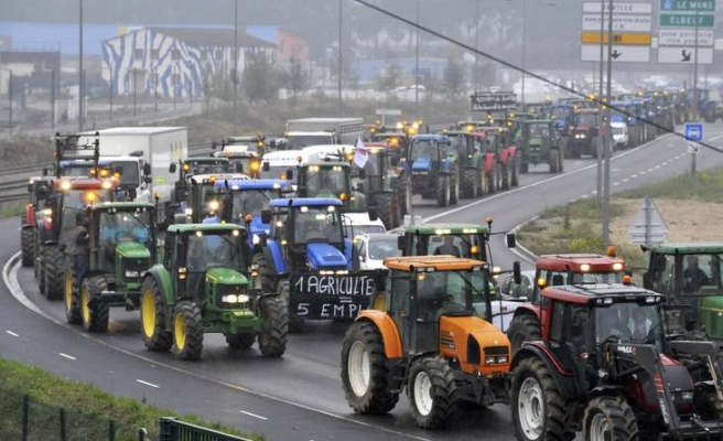 French farmers to protest overtaxing policies