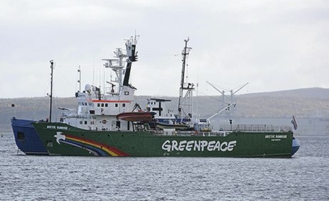 Russia grants bail to captain of Greenpeace ship