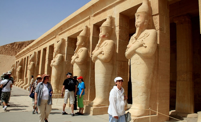Egypt sees worst tourism figures in 30 years