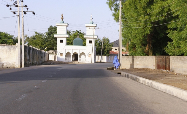 Gunmen kill 47 in attack in Nigeria, fire damages historic palace
