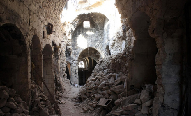 Syrian regime forces hit historic mosque in Aleppo