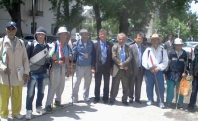 Kyrgyz walking pilgrims missing